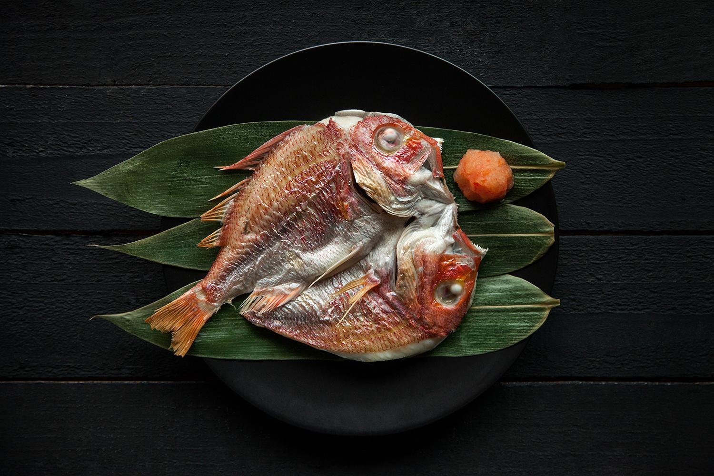 另外示範「赤宗魚一夜干」製作方式及解剖技法
