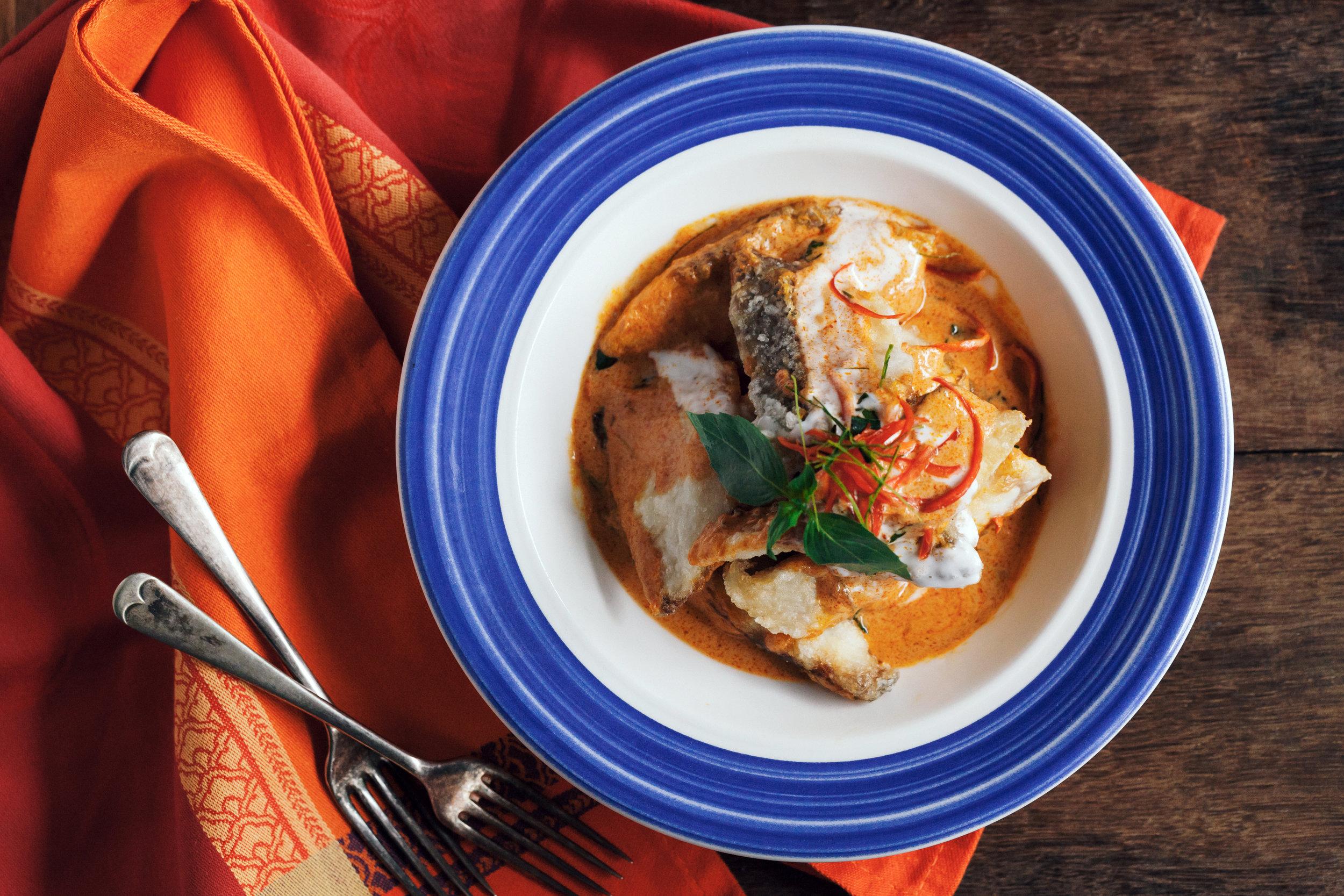紅咖哩酥炸鱸魚片