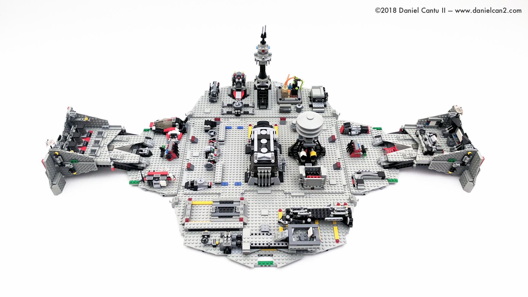 LEGO-Mobile-Fortress-70.jpg