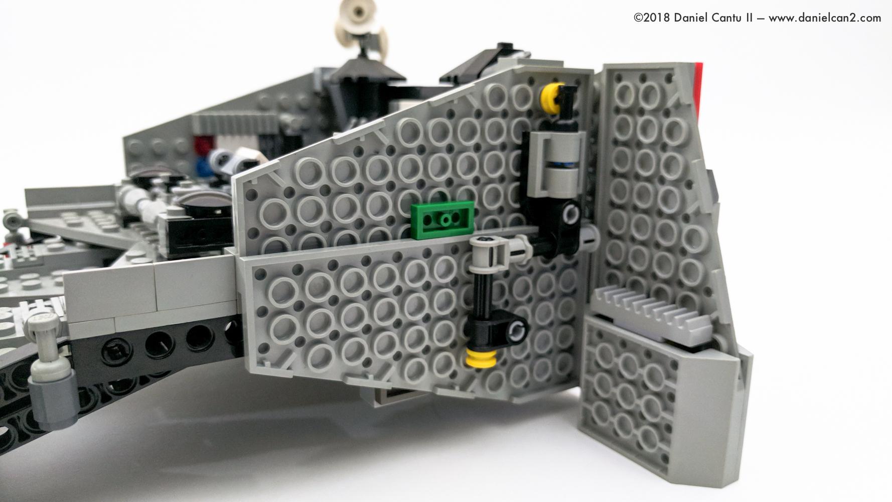 LEGO-Mobile-Fortress-4.jpg