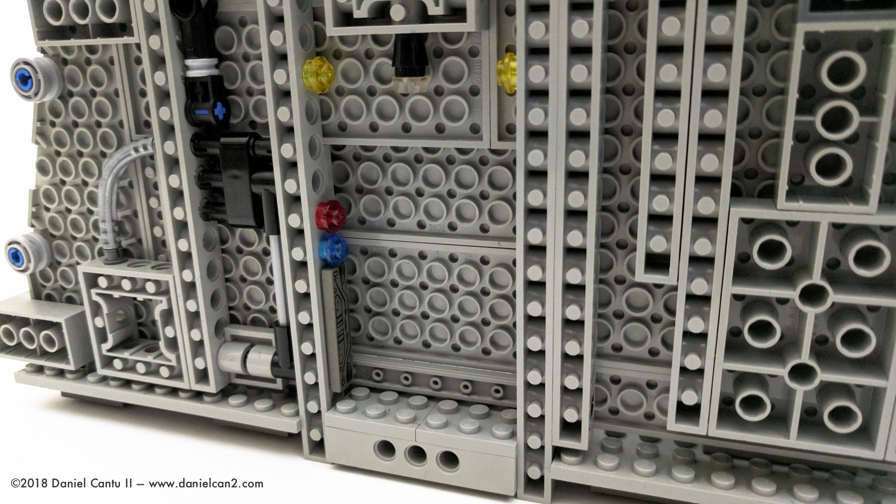 LEGO-Mobile-Fortress-65.jpg