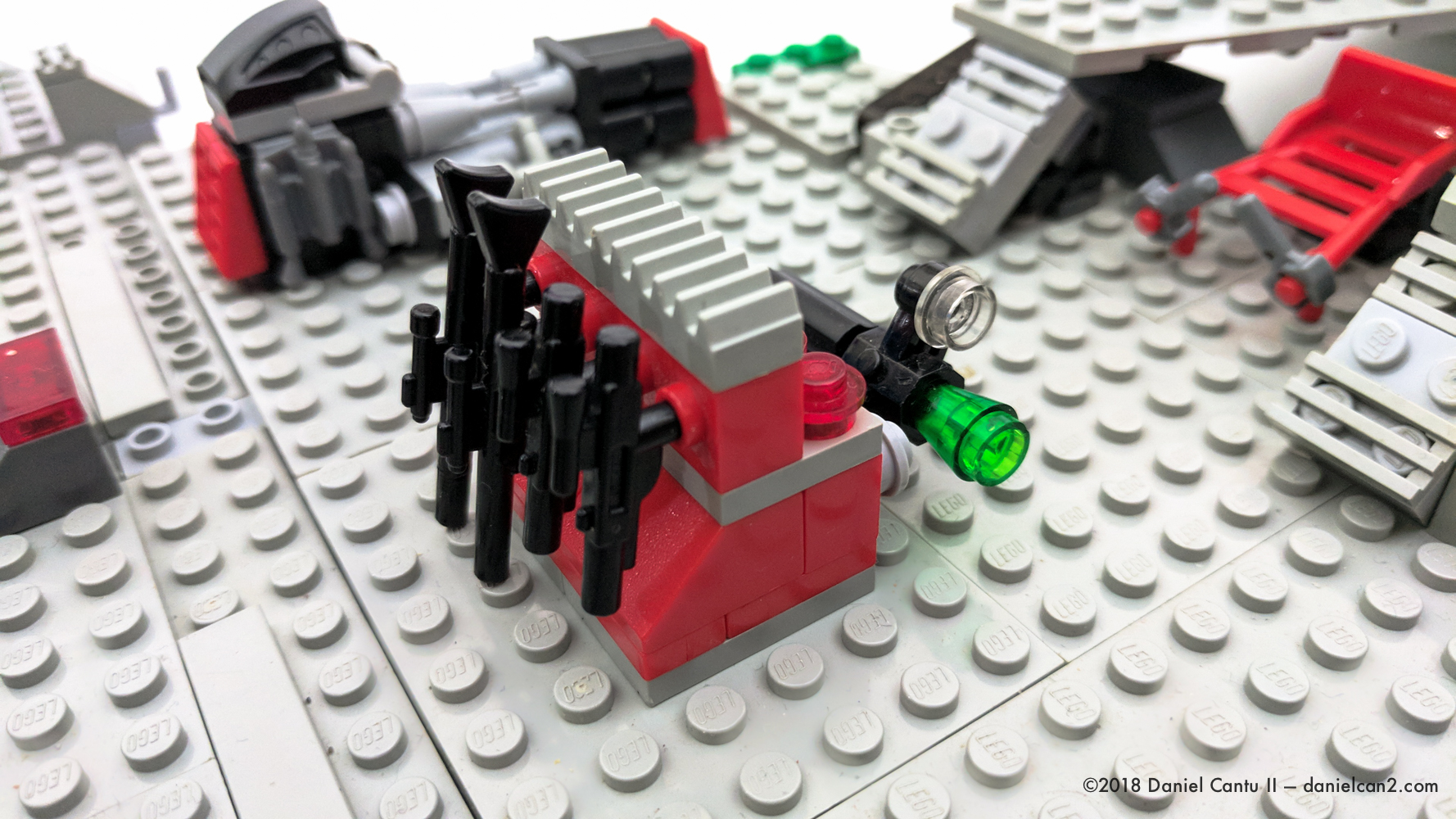 LEGO-Mobile-Fortress-10.jpg