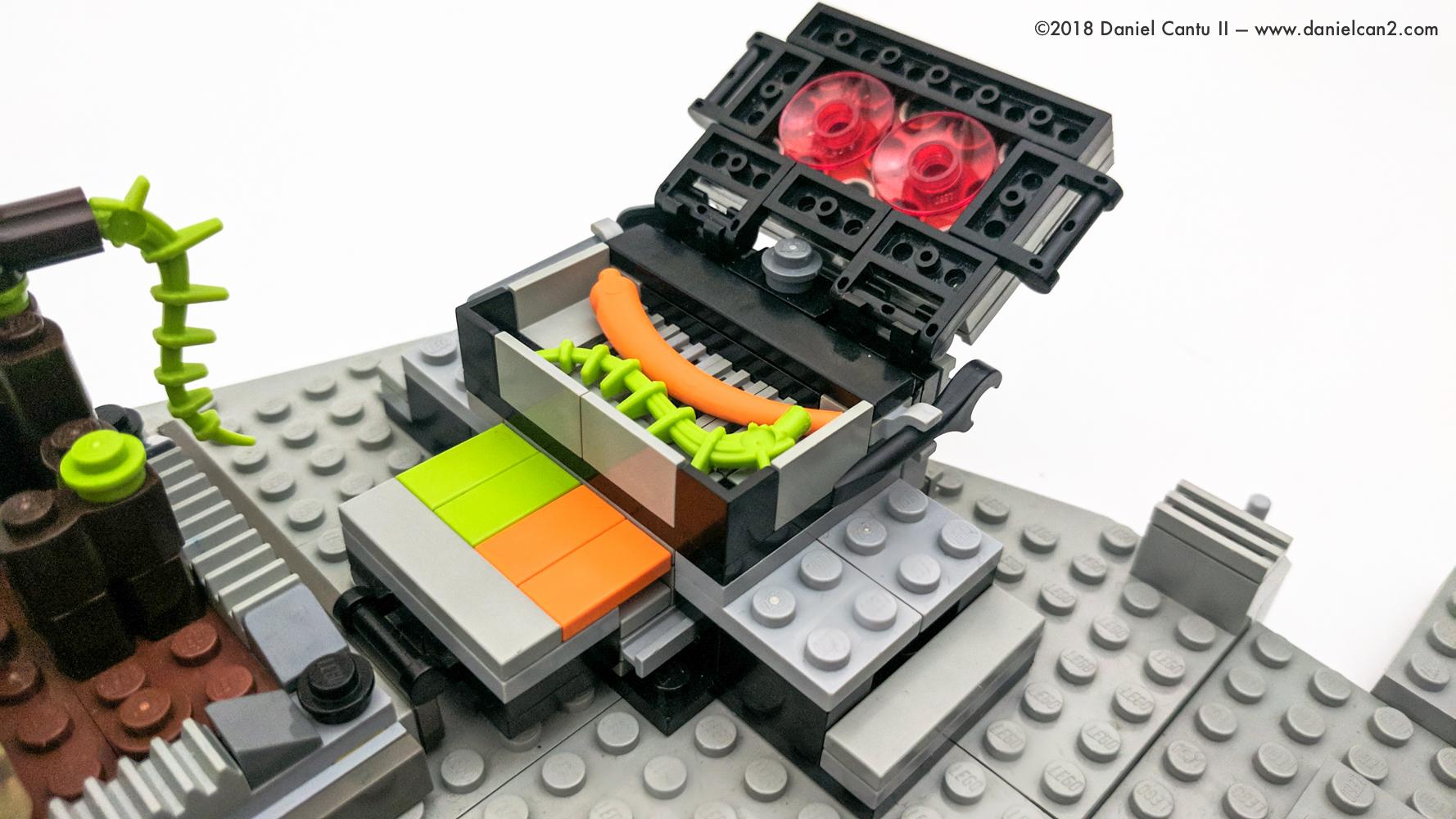 LEGO-Mobile-Fortress-30.jpg