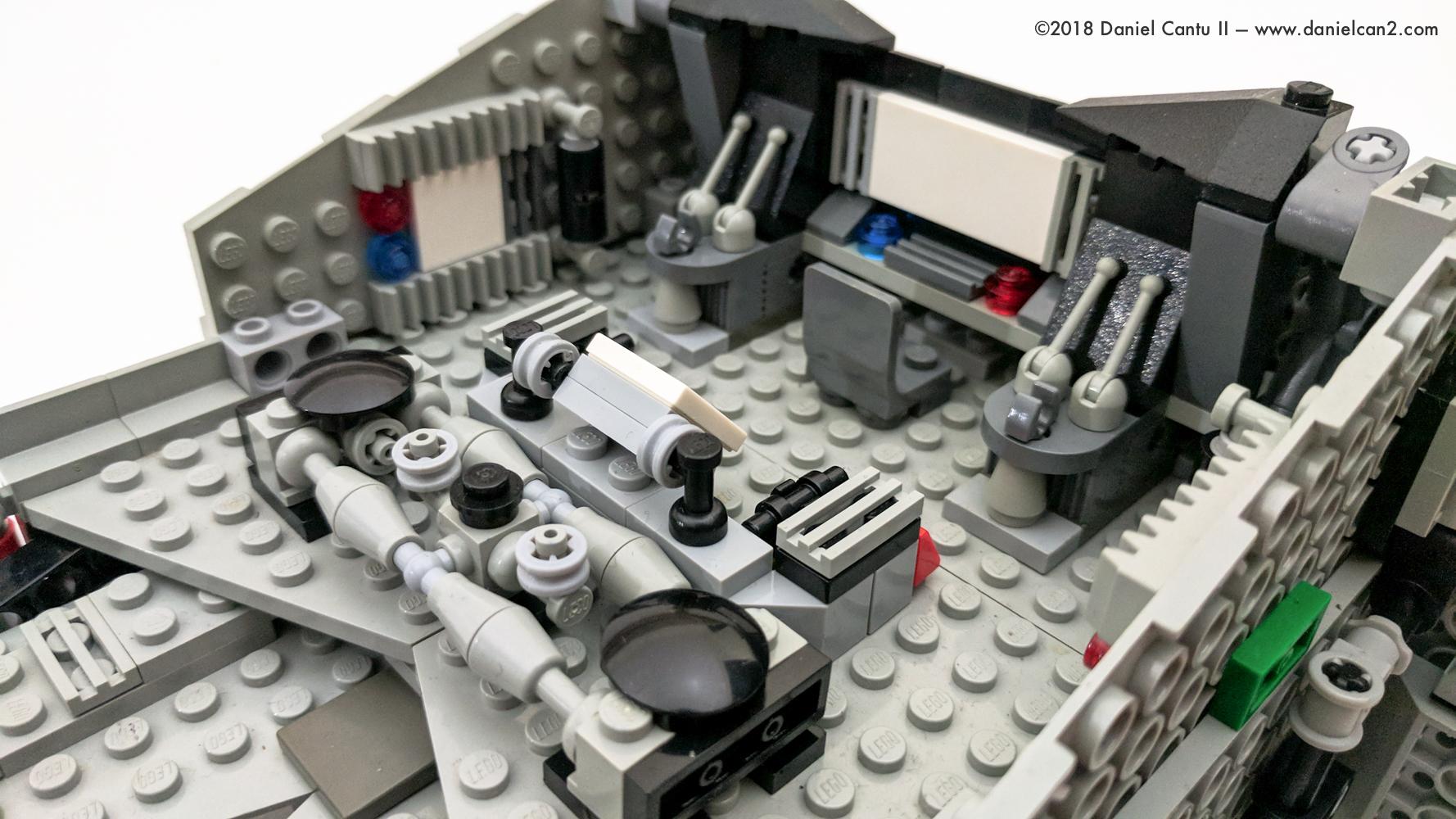 LEGO-Mobile-Fortress-8.jpg