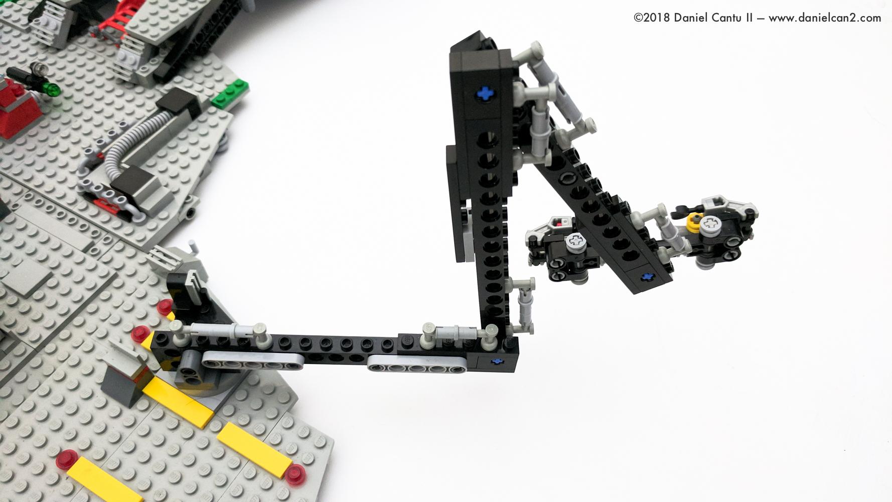 LEGO-Mobile-Fortress-47.jpg