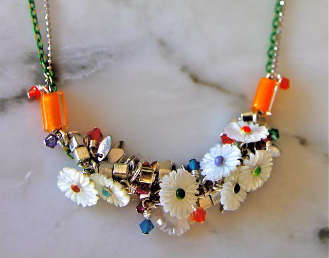 flower chain green