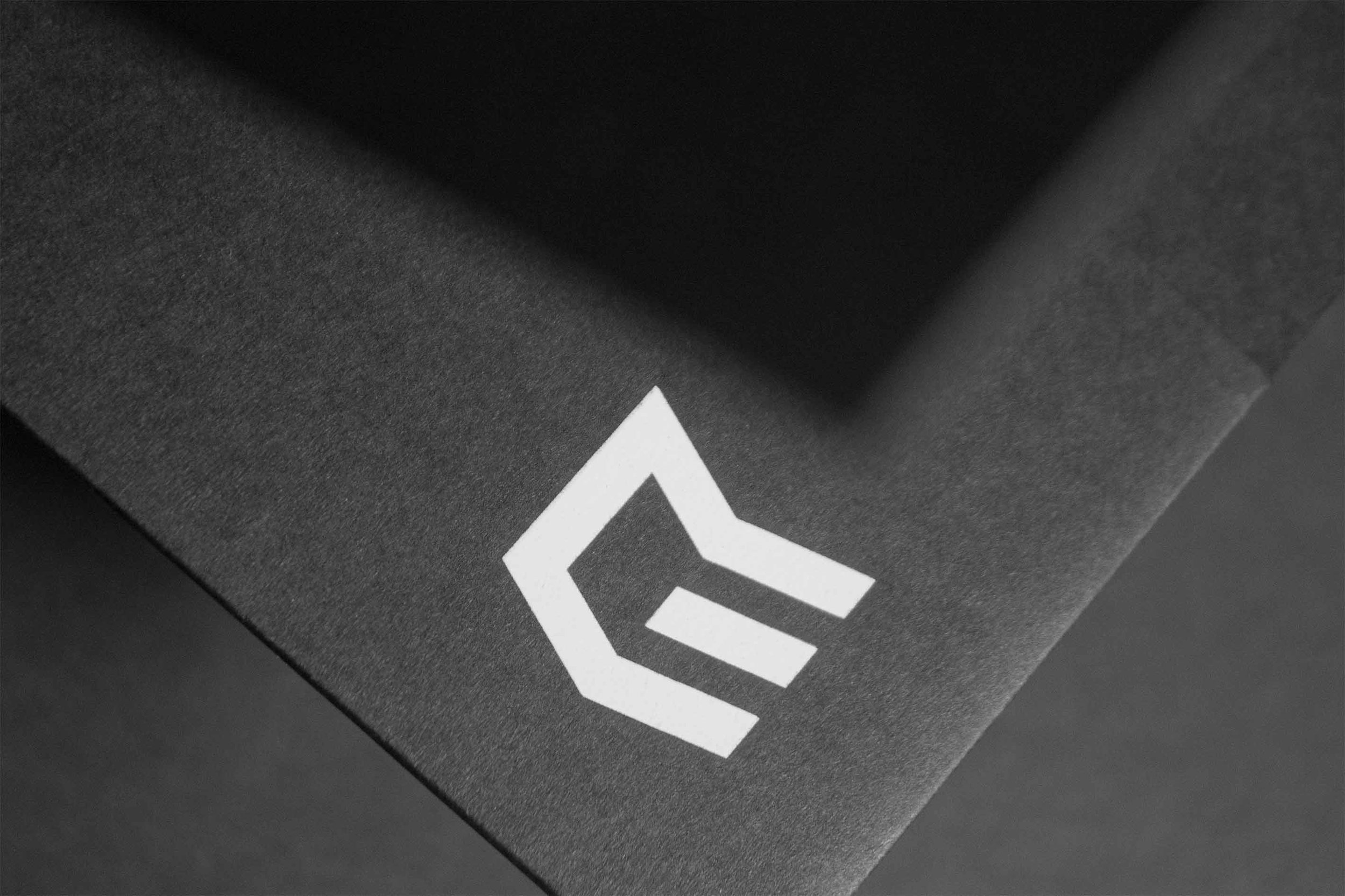 Figure-Jeremy-Hall-Design-Graphique-Quebec-Logo-Branding-Image-De-Marque-Item-Construction-11.jpg