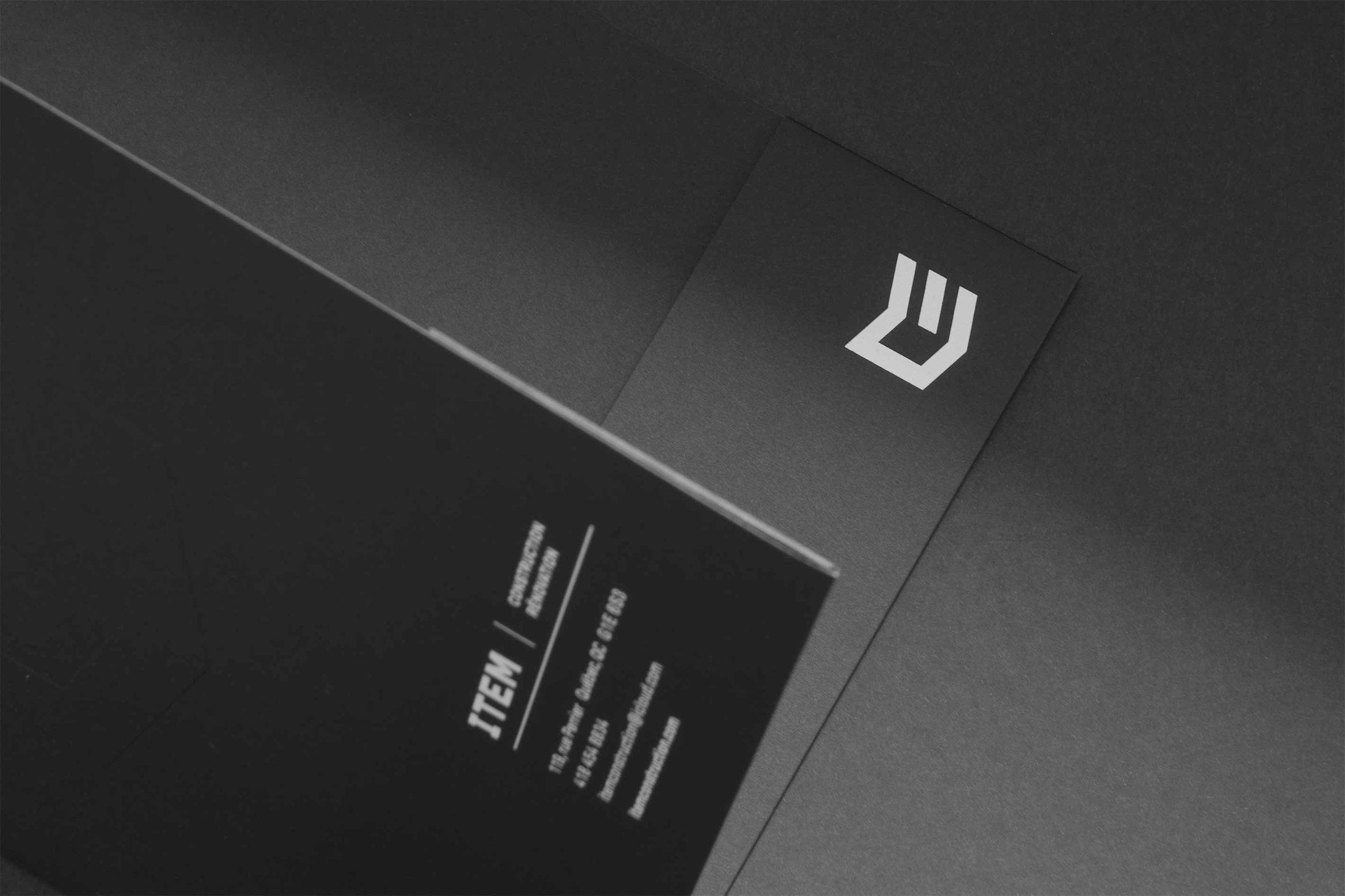 Figure-Jeremy-Hall-Design-Graphique-Quebec-Logo-Branding-Image-De-Marque-Item-Construction-15.jpg