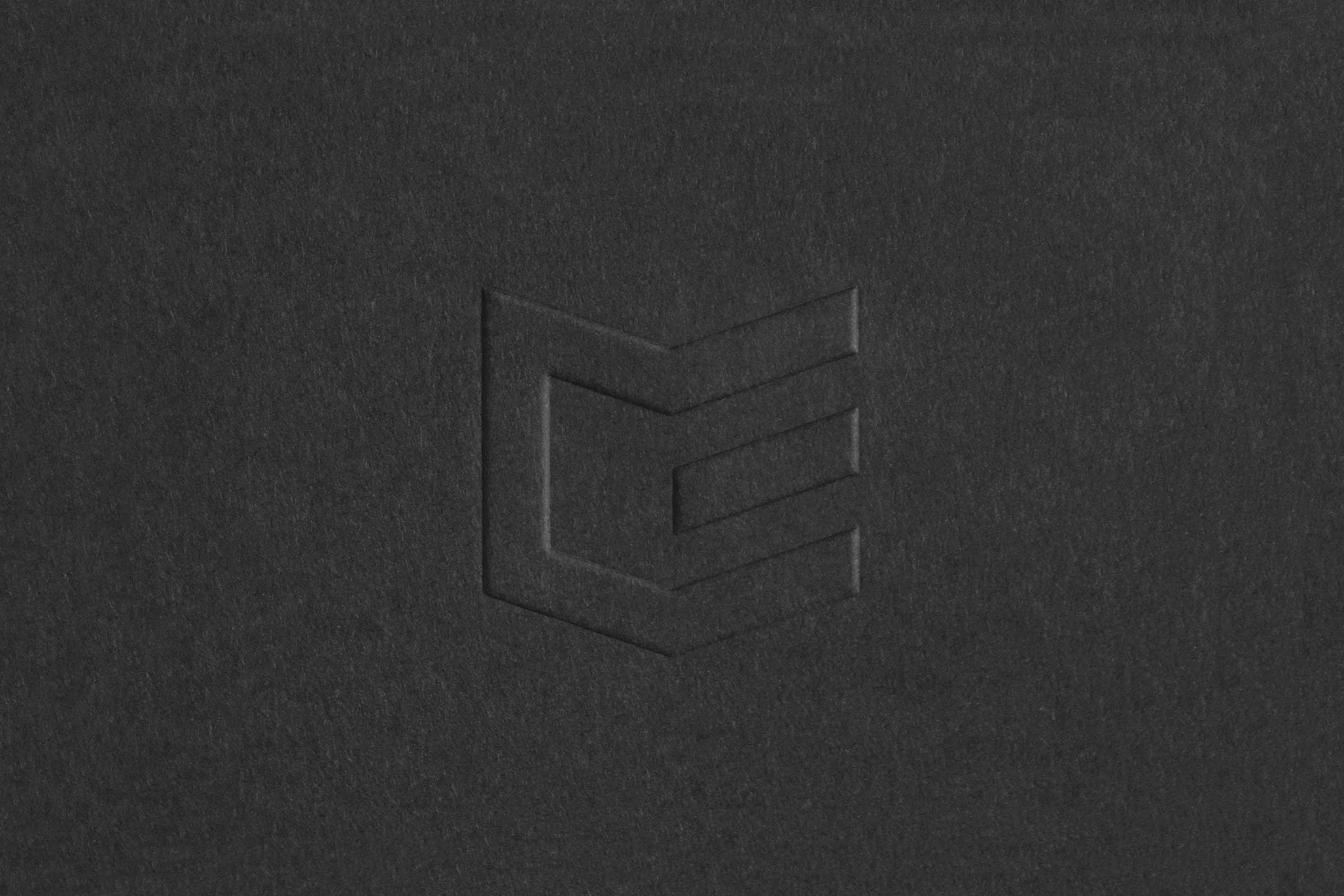 Figure-Jeremy-Hall-Design-Graphique-Quebec-Logo-Branding-Image-De-Marque-Item-Construction-1.jpg