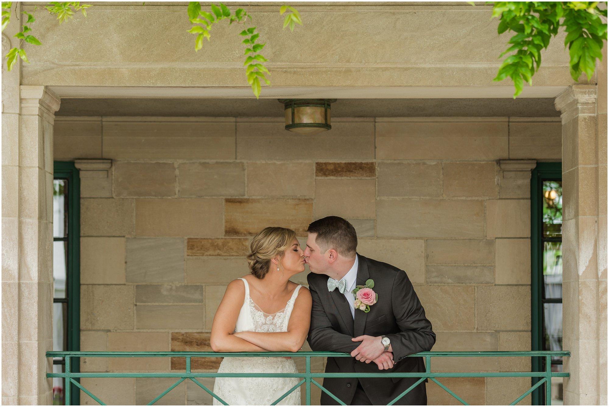 Plymouth_michigan_wedding_photographer_0408.jpg