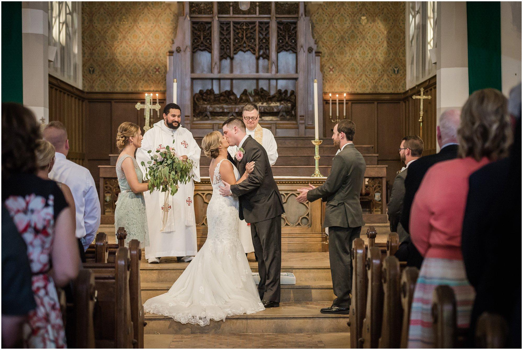 Plymouth_michigan_wedding_photographer_0419.jpg