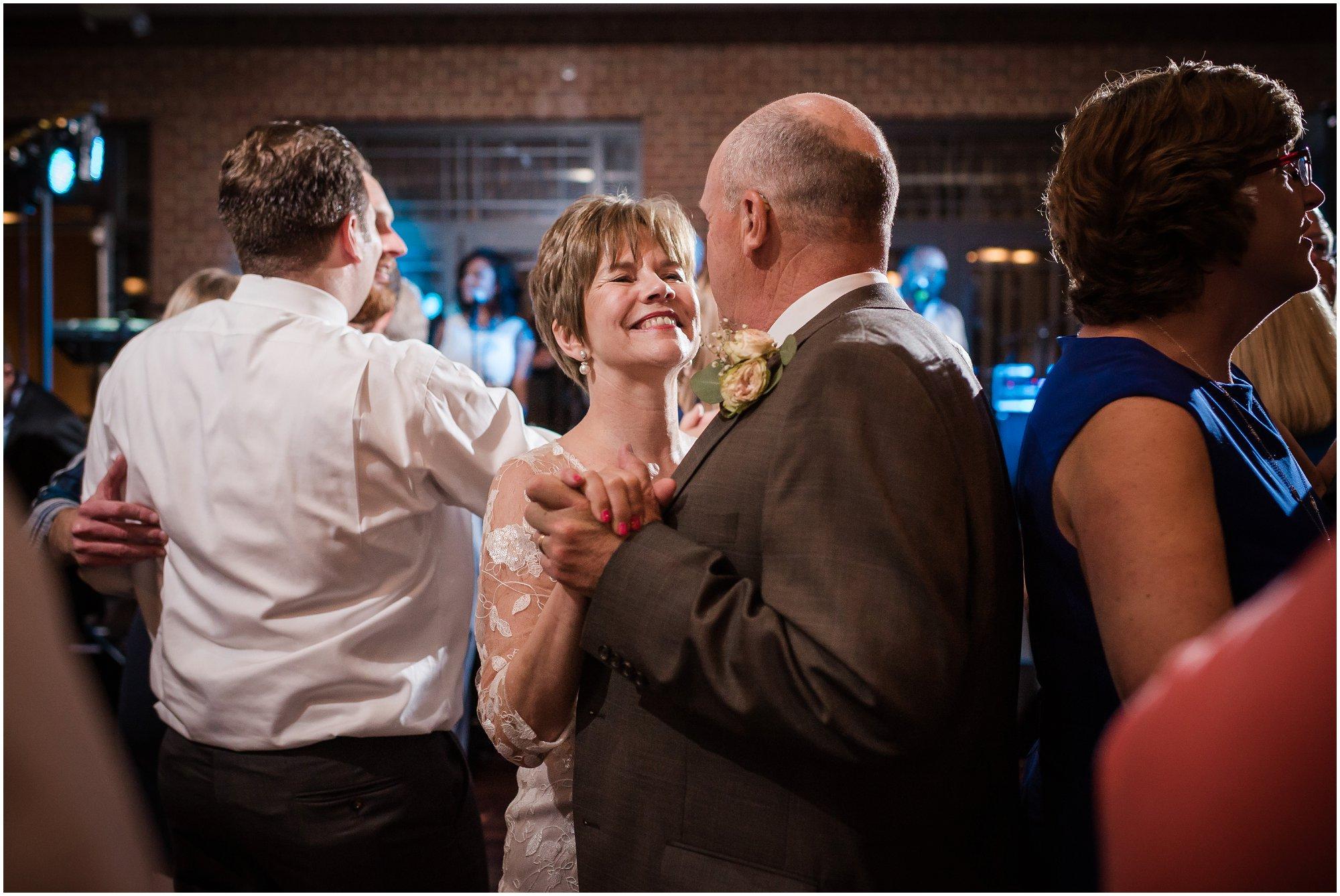 Plymouth_michigan_wedding_photographer_0446.jpg