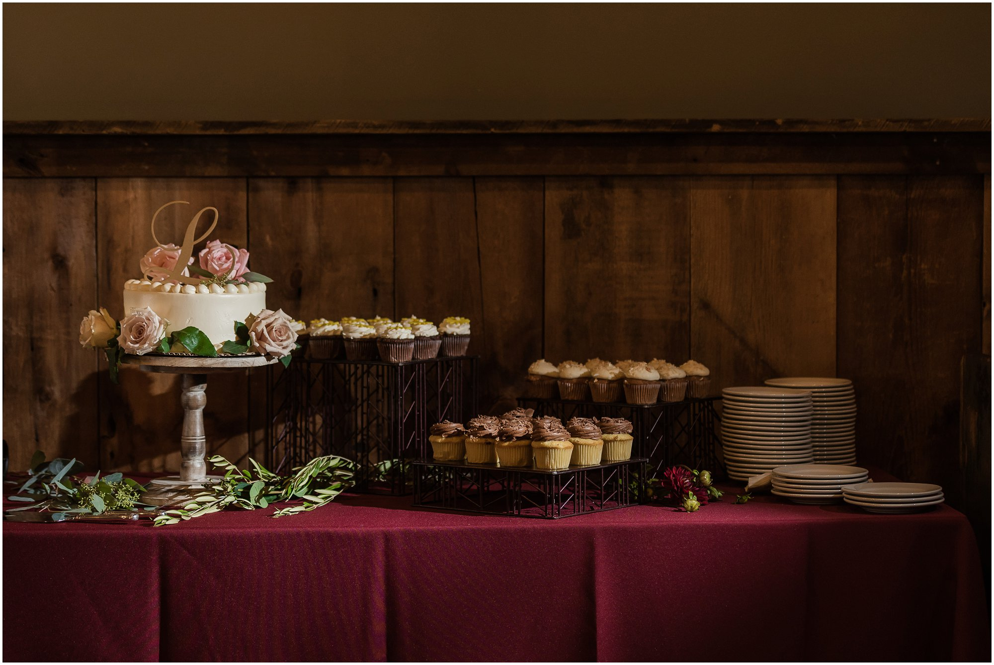 cornman-farms-wedding-michigan-barn-wedding_0974.jpg