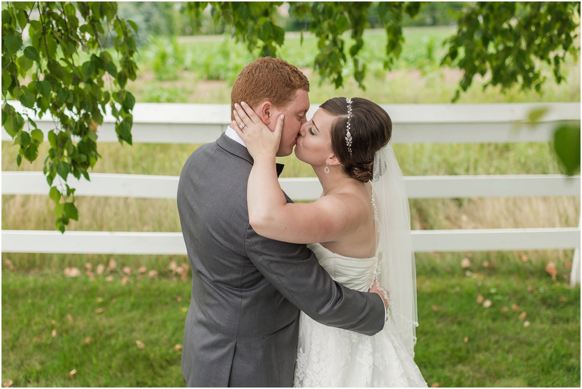 cornman-farms-wedding-michigan-barn-wedding_0996.jpg