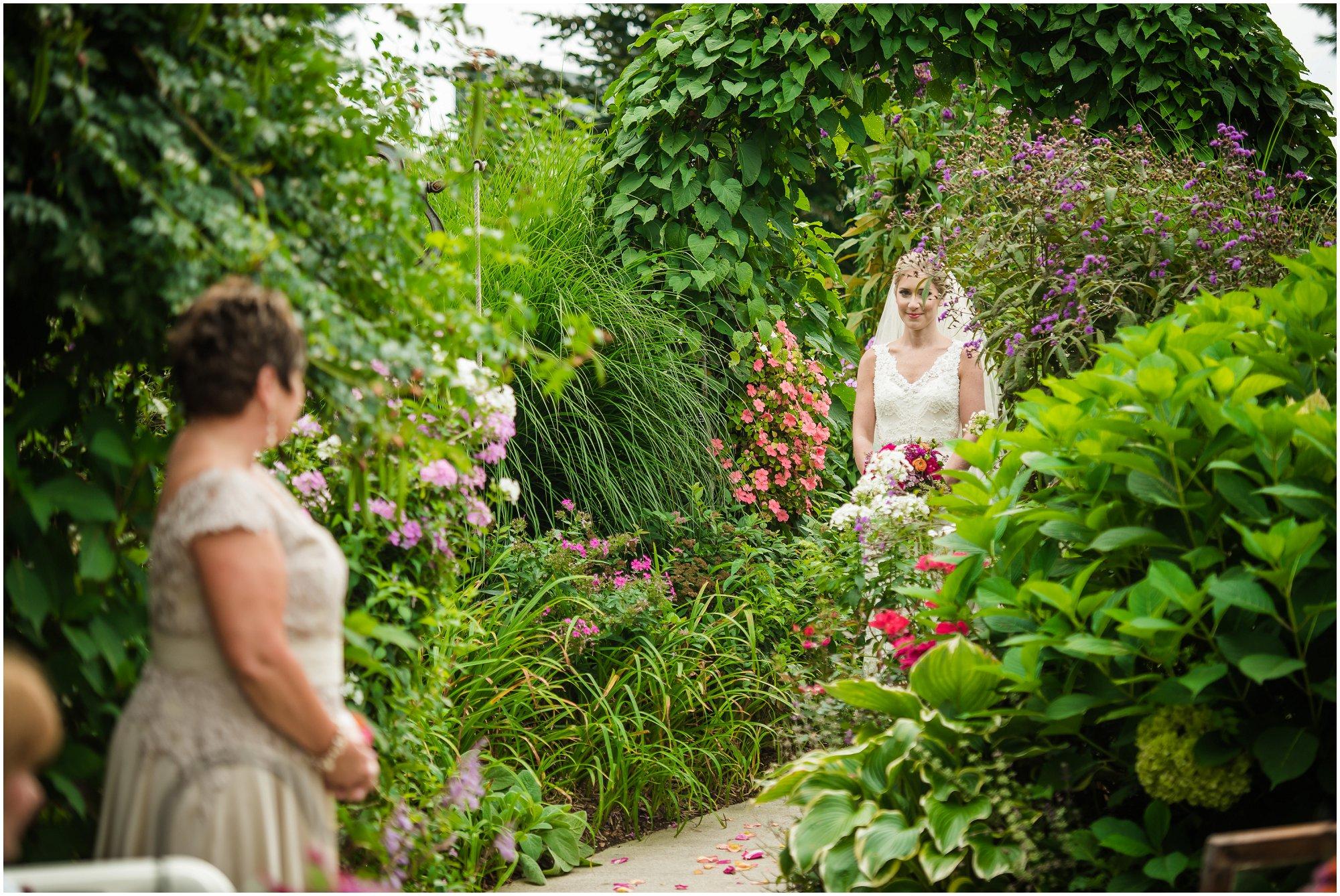 southern-exposure-herb-farm-wedding_0109.jpg