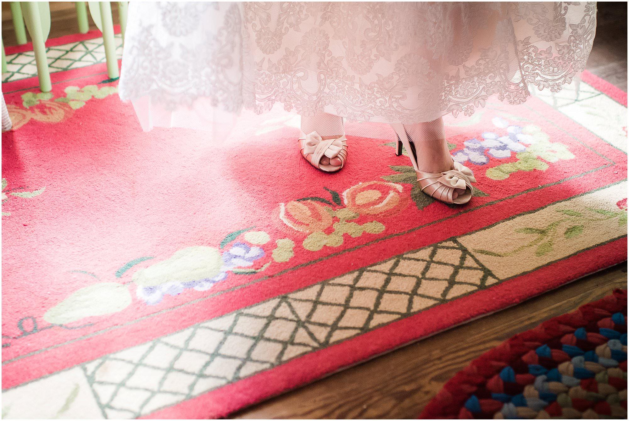 pointe-aux-barques-wedding_0007.jpg