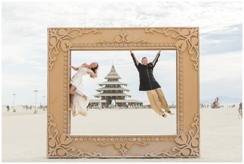 burning-man-wedding_0004.jpg