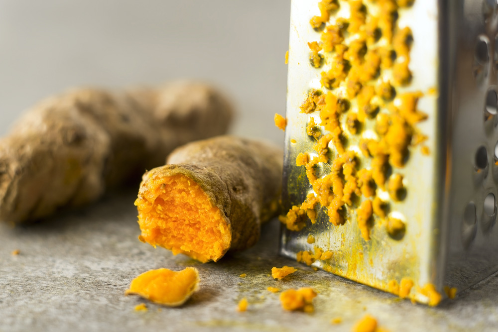 Curcumin from turmeric for cellulite