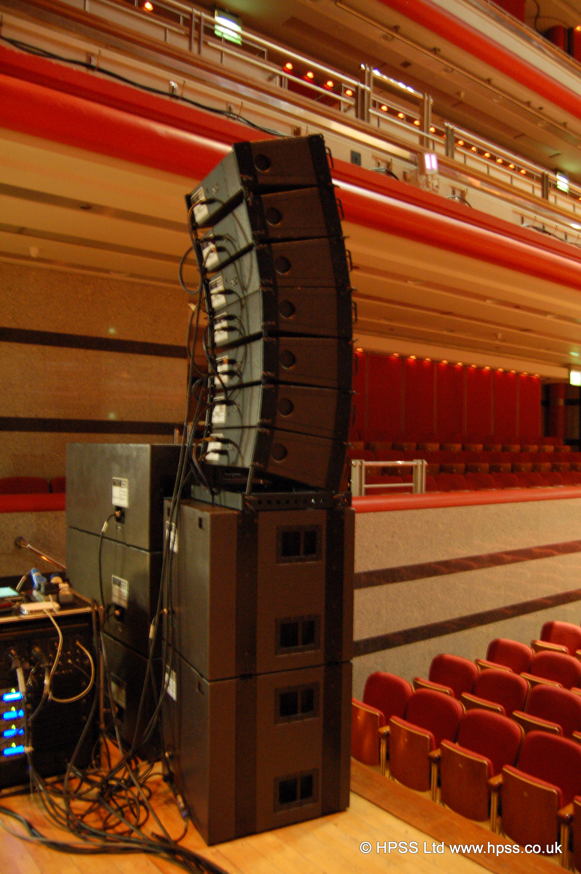 Ground stacked L acoustics