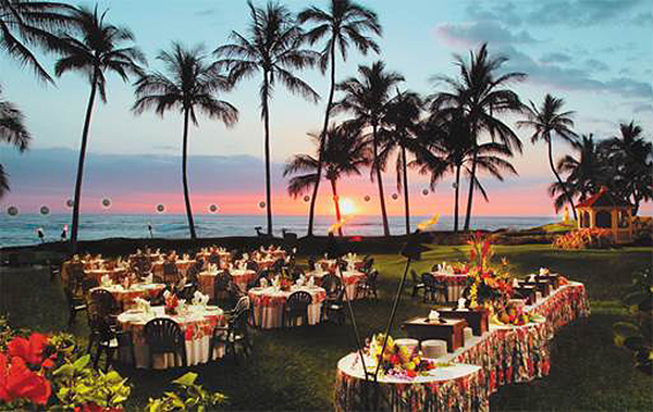 With more than 235,000 square feet of first class meeting, pre-function and exhibit facilities,  Hilton Waikoloa Village 's most Instagrammable meeting space can be found at the Ocean View Terrace. This unique lawn setting provides a spectacular sunset view over the Pacific Ocean and is perfect for groups up to 250.
