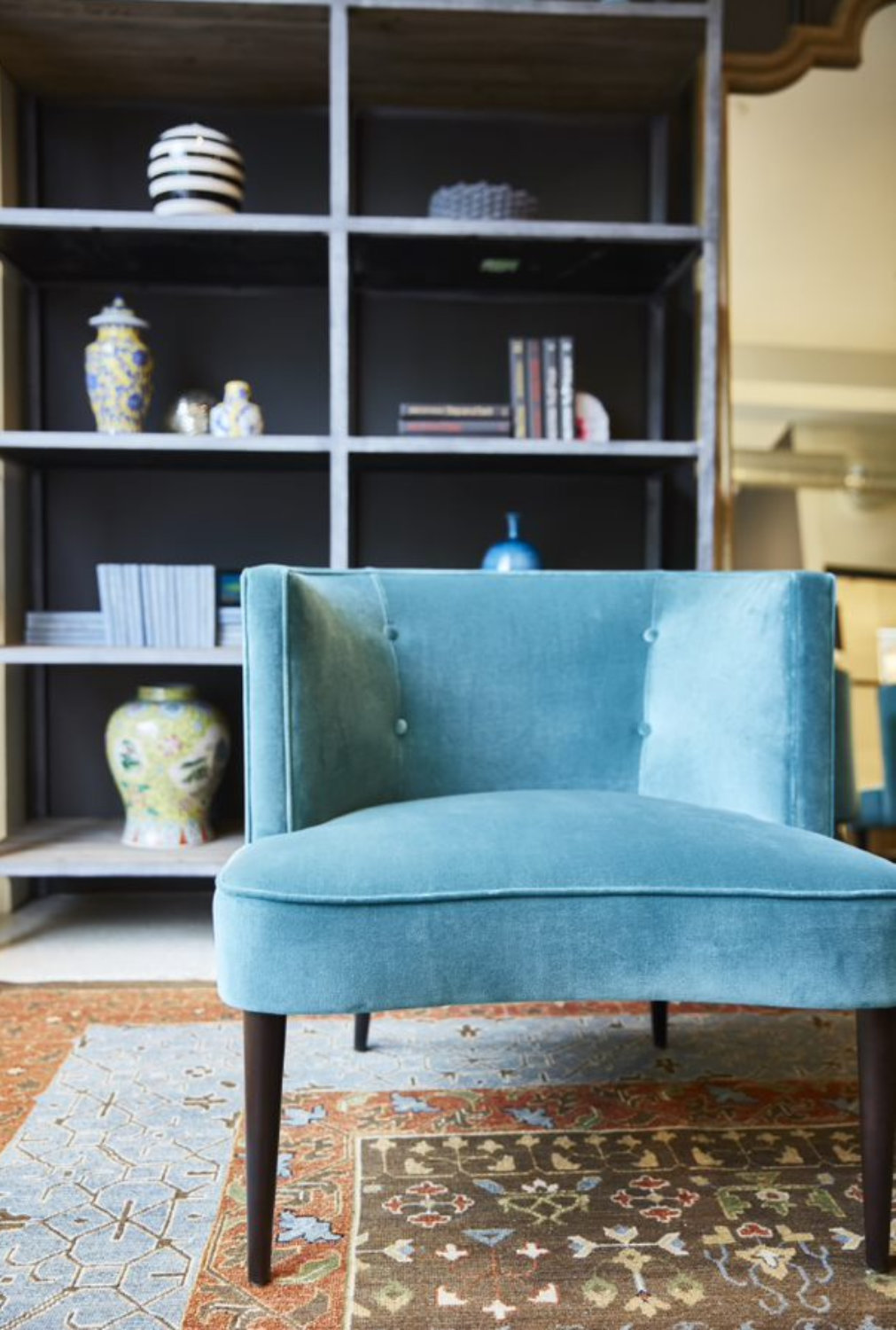 Midcentury ocean-blue chairs: a nod to the retro hotels that dot the Miami coastline.