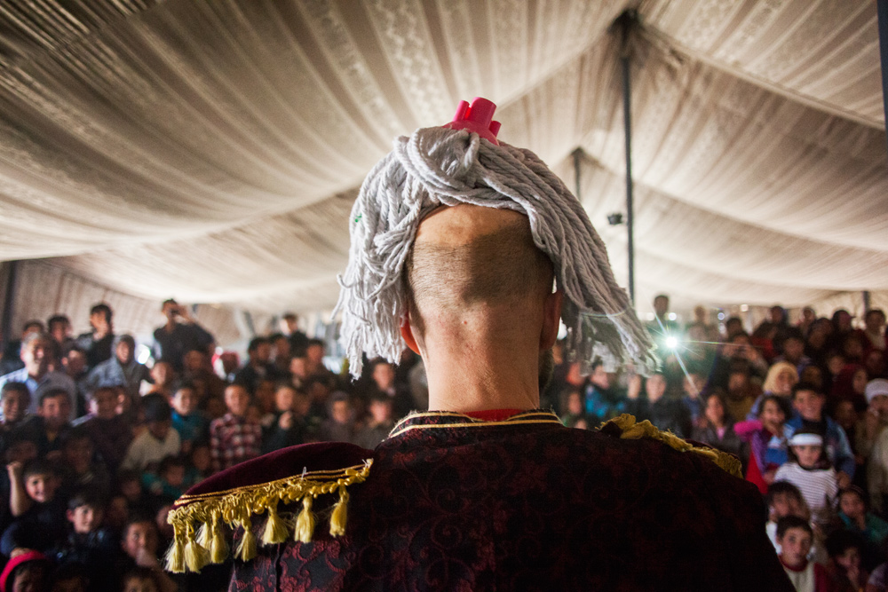 Momo the Clown and his mop at a Clowns Without Borders Ireland performance at Zaatari refugee camp, Jordan.