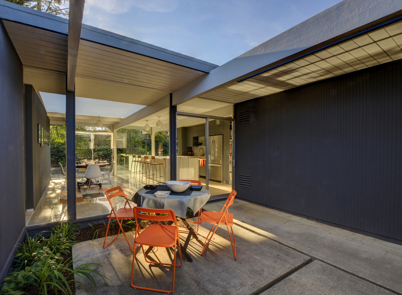 Highlands atrium Eichler, featured on the 2017 Eichler Home Tour