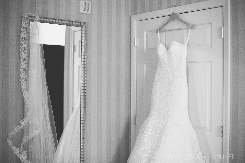 galt house hotel bride getting ready