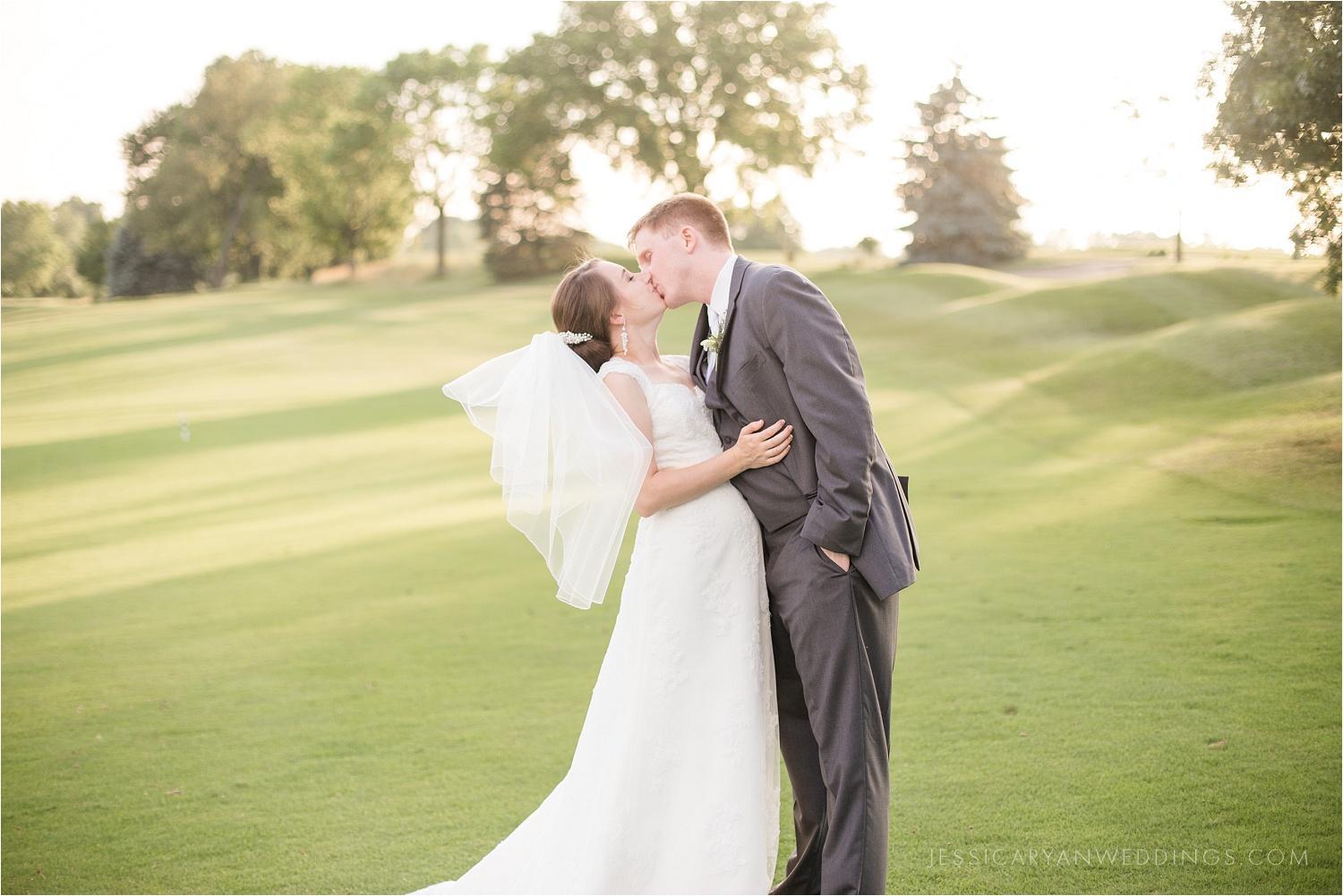 Louisville-Wedding-Oxmoor-Country-Club_0114.jpg
