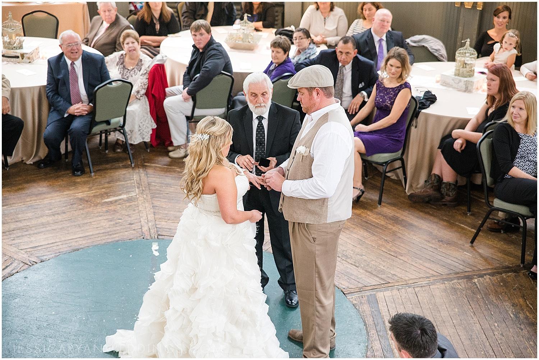 Louisville-Wedding-Photography_0118.jpg