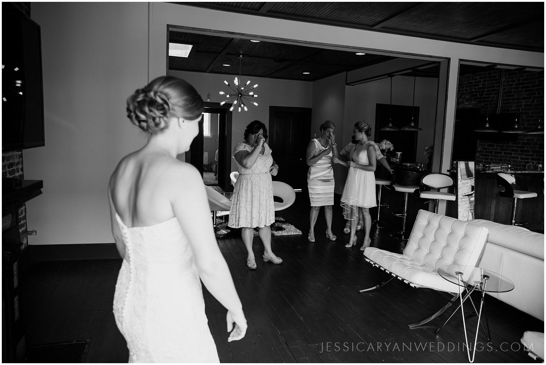 Louisville-Wedding-Photographer_0010.jpg