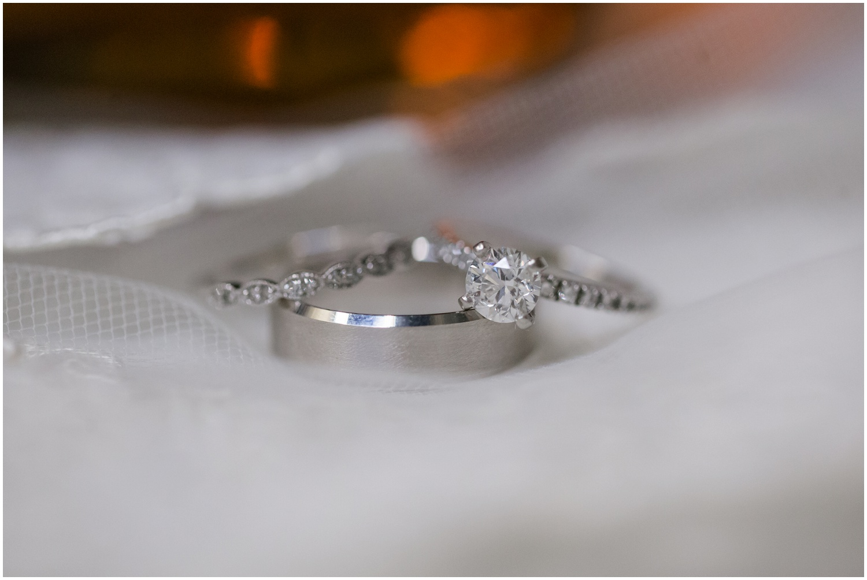 bride-getting-ready-louisville-wedding_0004.jpg