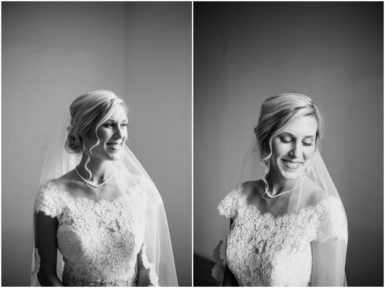 bride-getting-ready-louisville-wedding_0018.jpg