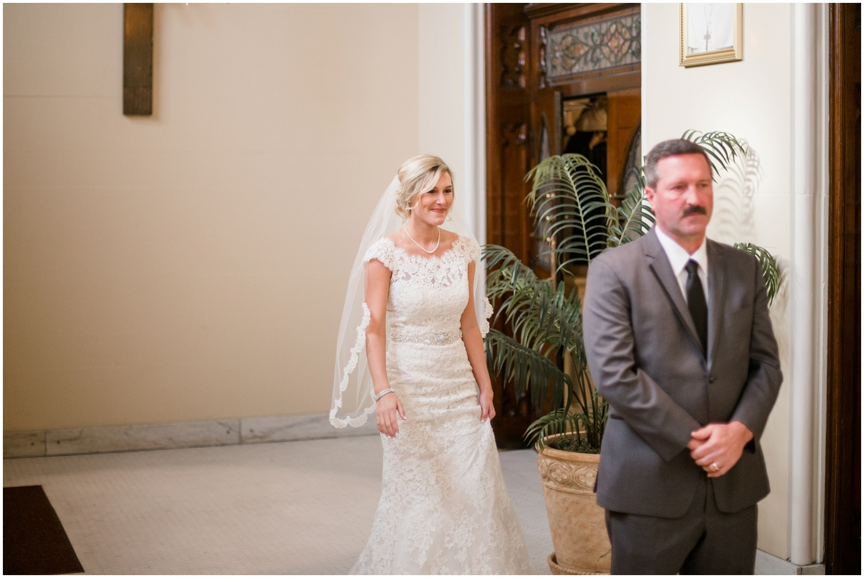 bride-getting-ready-louisville-wedding_0026.jpg