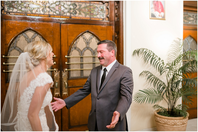 bride-getting-ready-louisville-wedding_0027.jpg