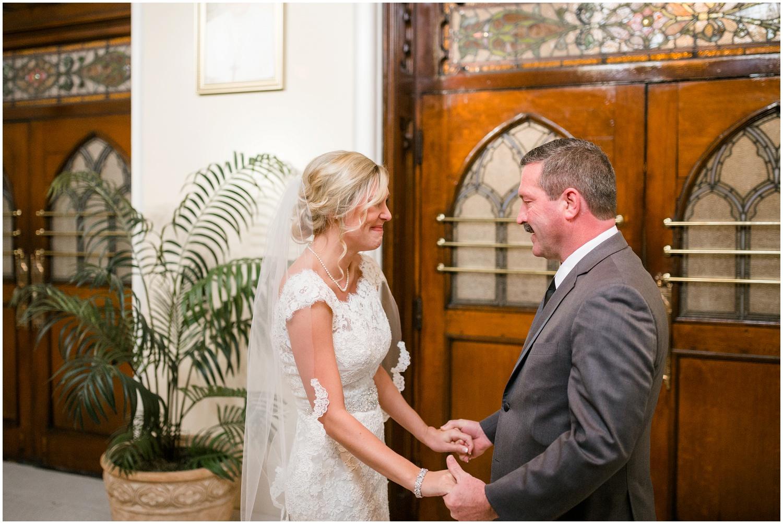 bride-getting-ready-louisville-wedding_0028.jpg