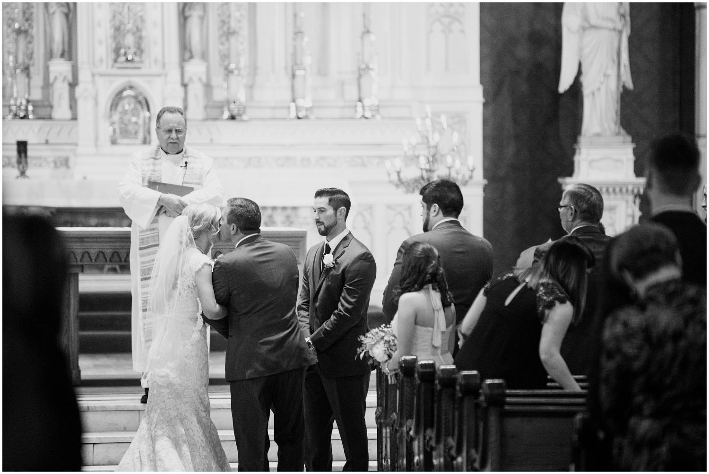 bride-getting-ready-louisville-wedding_0040.jpg