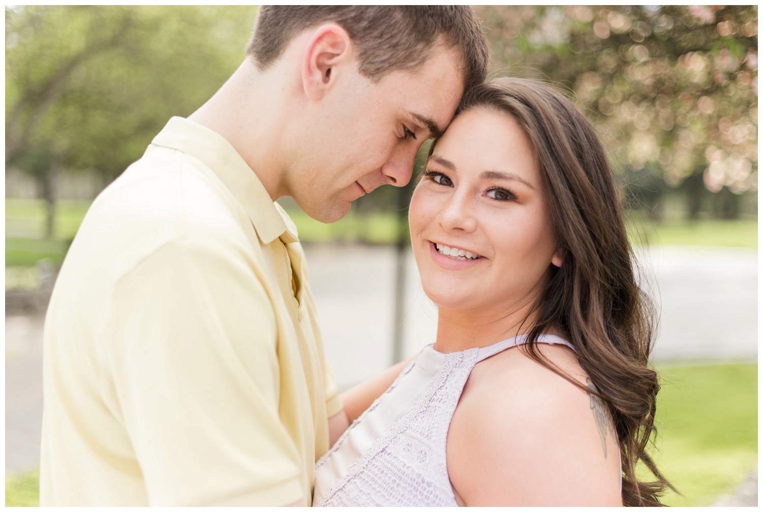 belwood-country-club-engagement-session_0003.jpg