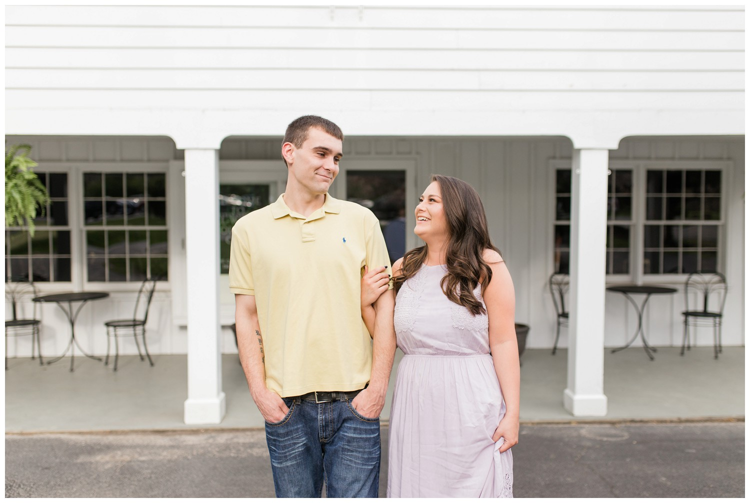 belwood-country-club-engagement-session_0005.jpg