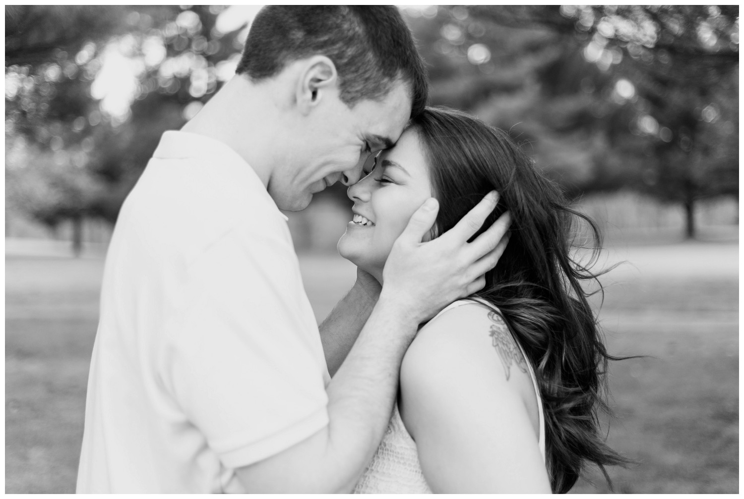 belwood-country-club-engagement-session_0007.jpg