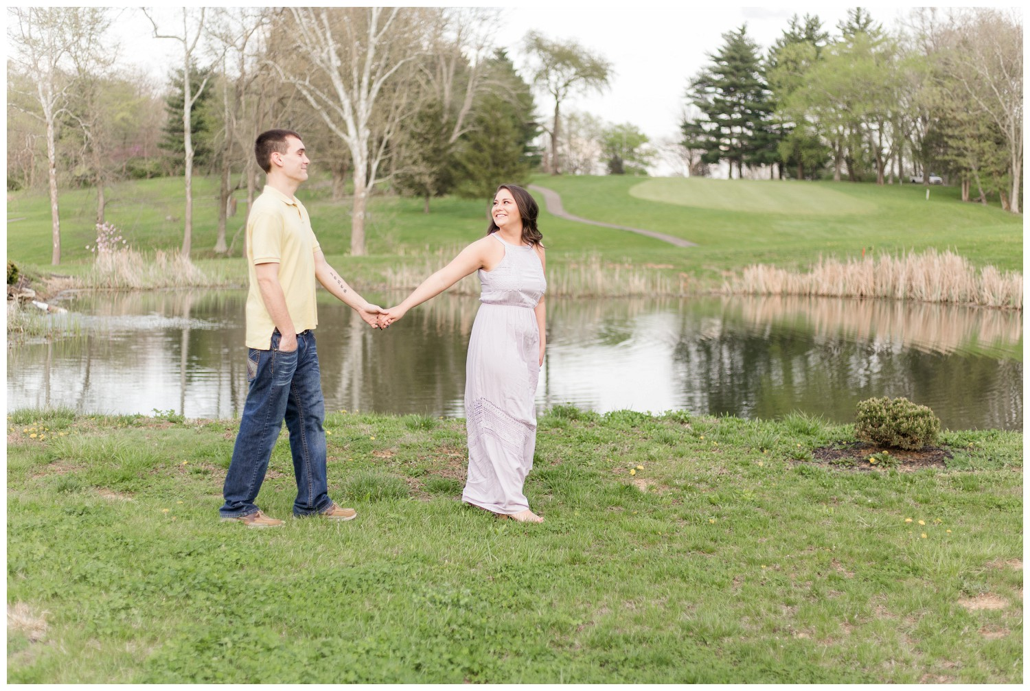 belwood-country-club-engagement-session_0010.jpg