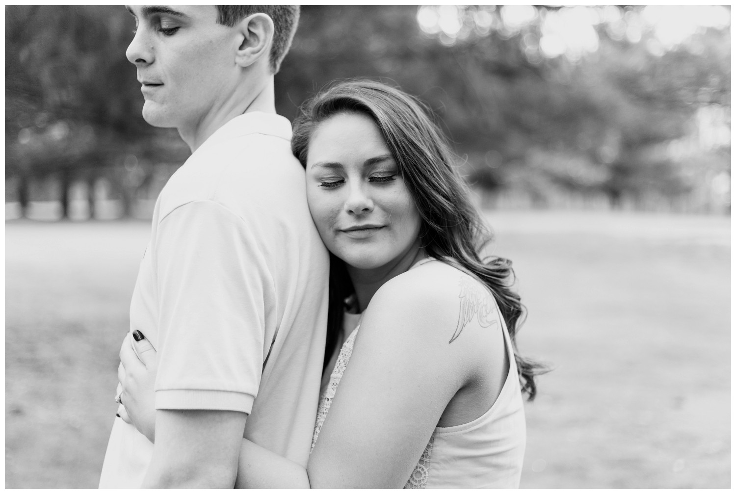 belwood-country-club-engagement-session_0013.jpg