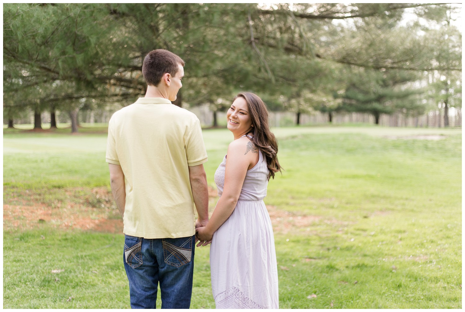 belwood-country-club-engagement-session_0012.jpg