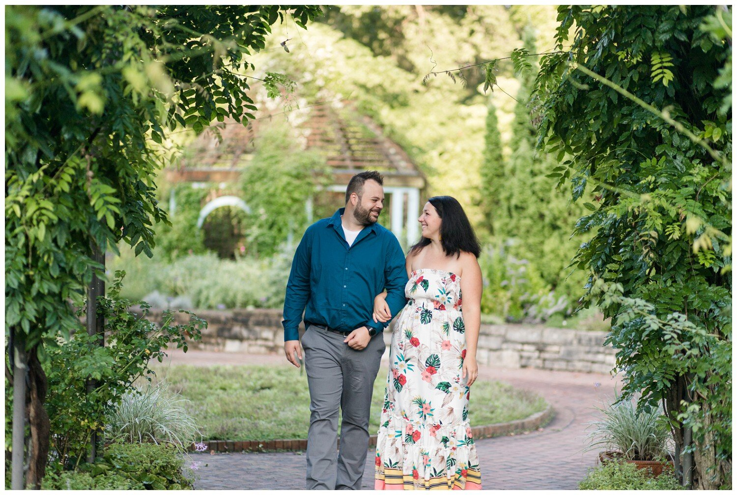 inniswood-metro-gardens-columbus-engagement-session_0003.jpg