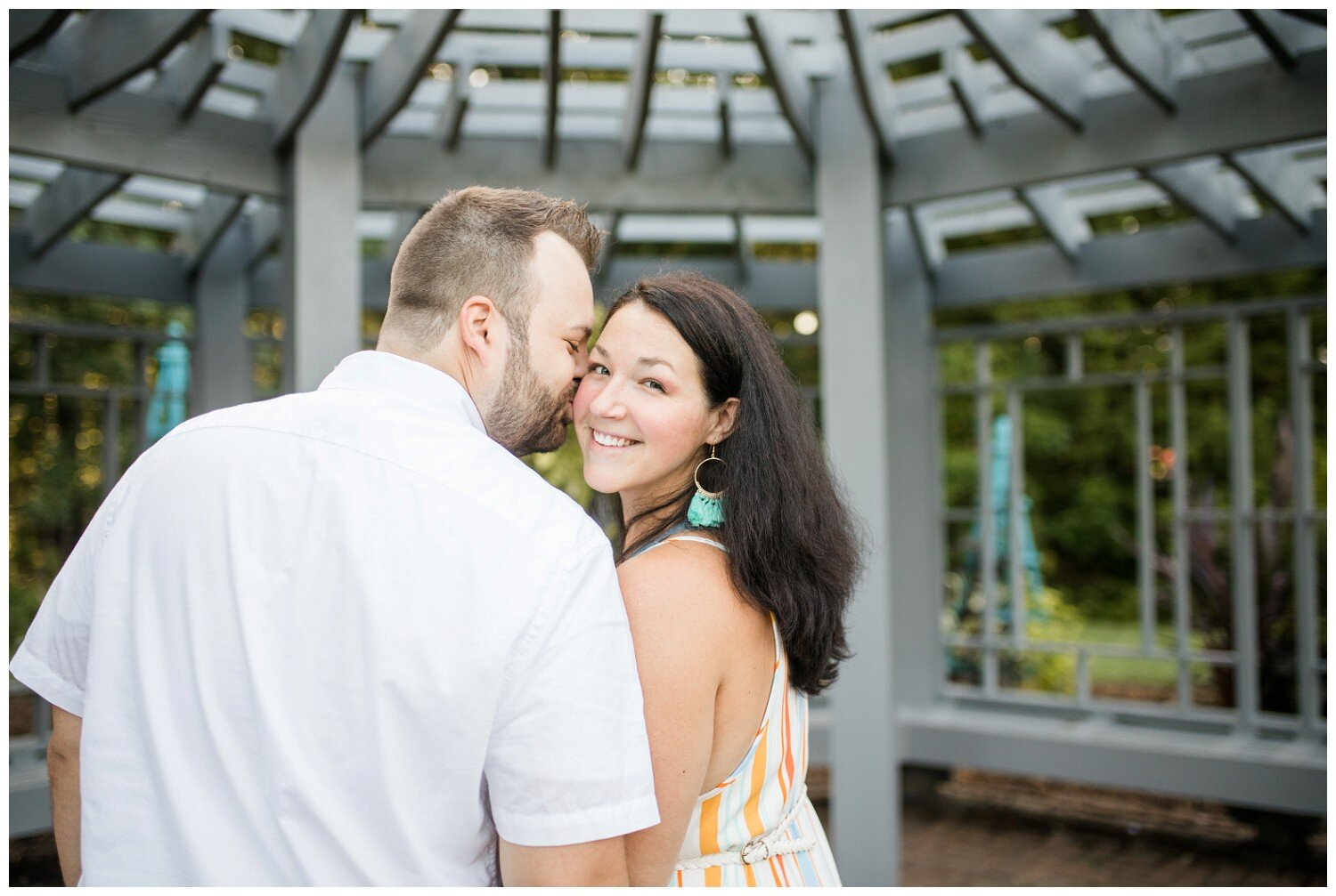 inniswood-metro-gardens-columbus-engagement-session_0013.jpg