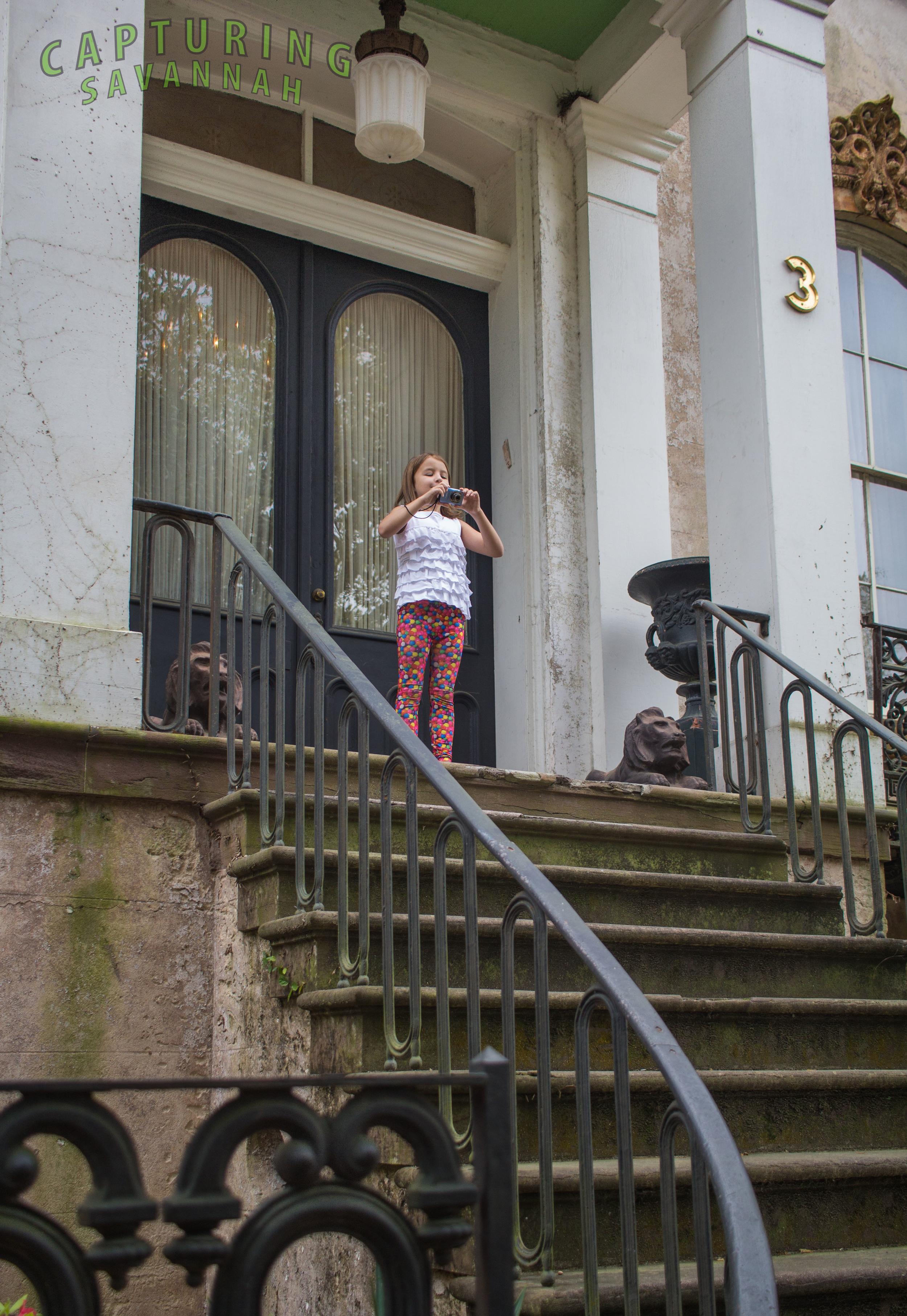 ©2015Capturing-Savannah_Photo-Tour_April-8_Spring_Guests3.jpg