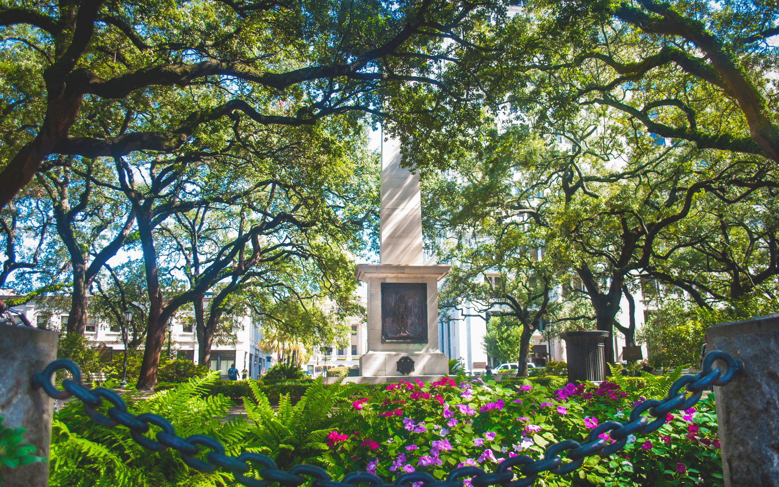 ©2012Capturing Savannah-PhotographyTours-JohnsonSquare.jpg