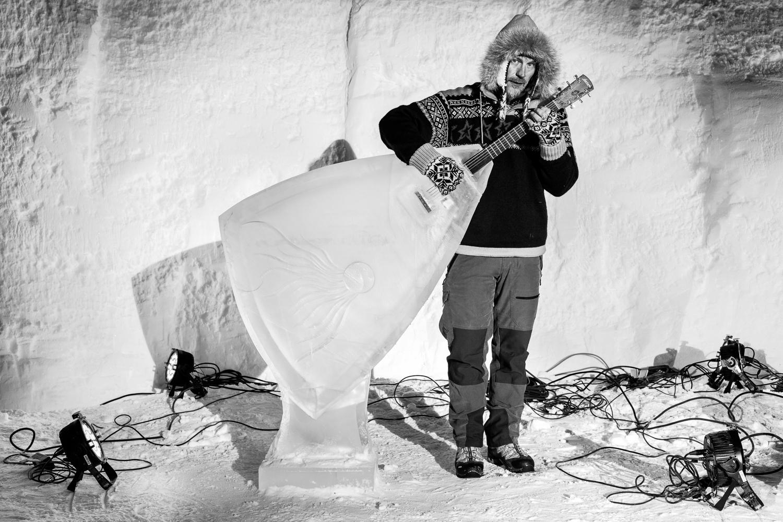 Svante Henryson with his Ice Balalaika