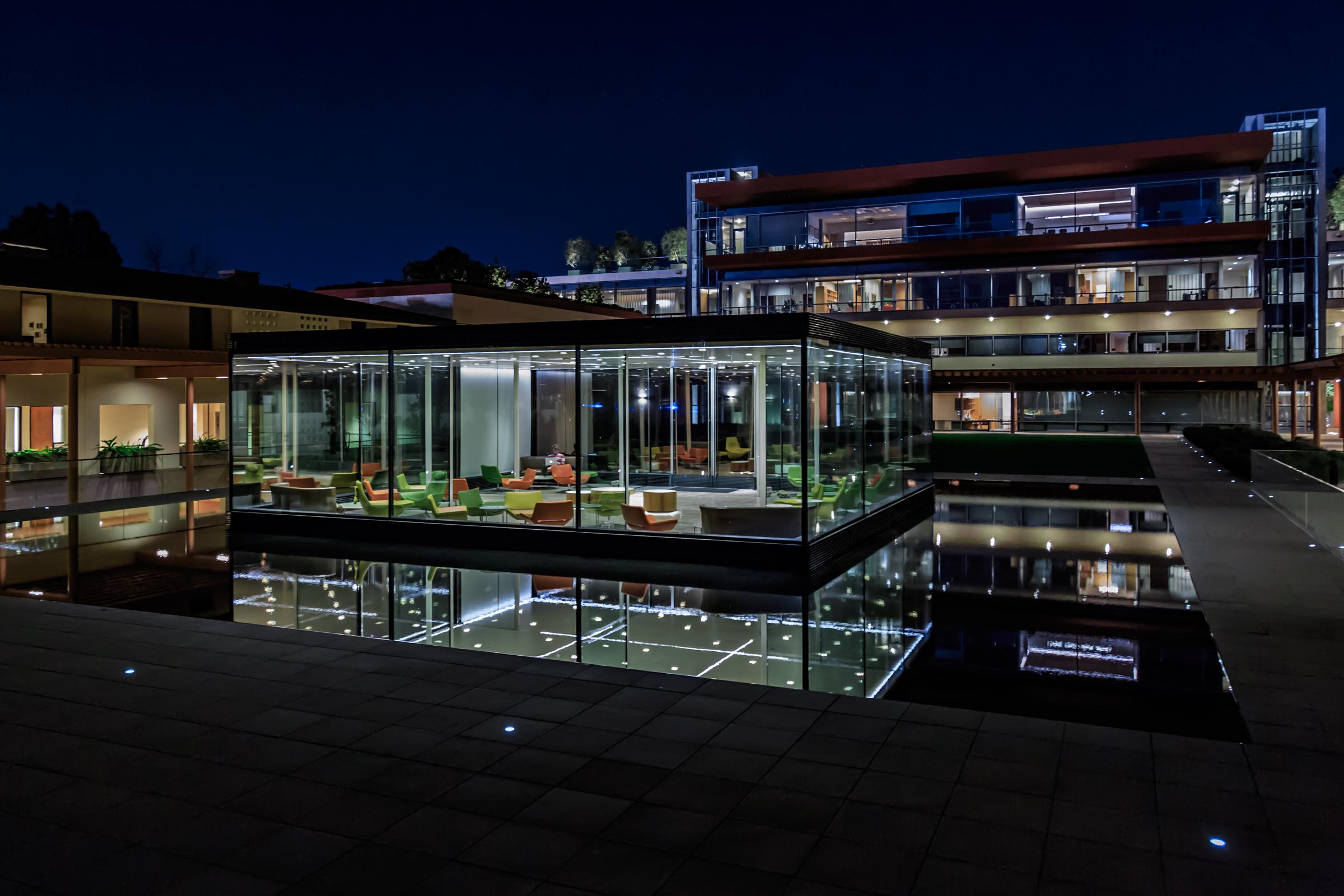 KRAVIS CENTER | Claremont McKenna College