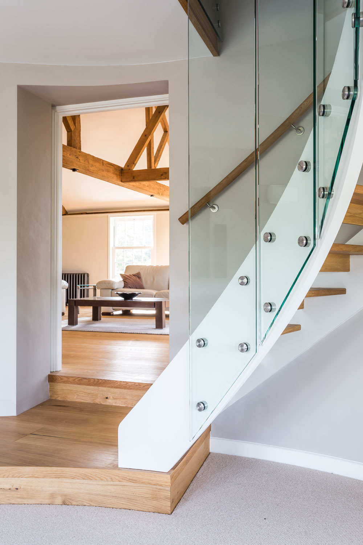 roundel-stairs.jpg